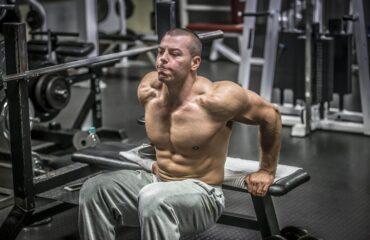 Schulter Übung Arnold Press
